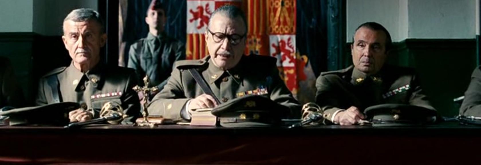 Fotograma de la película 'La voz dormida'.
